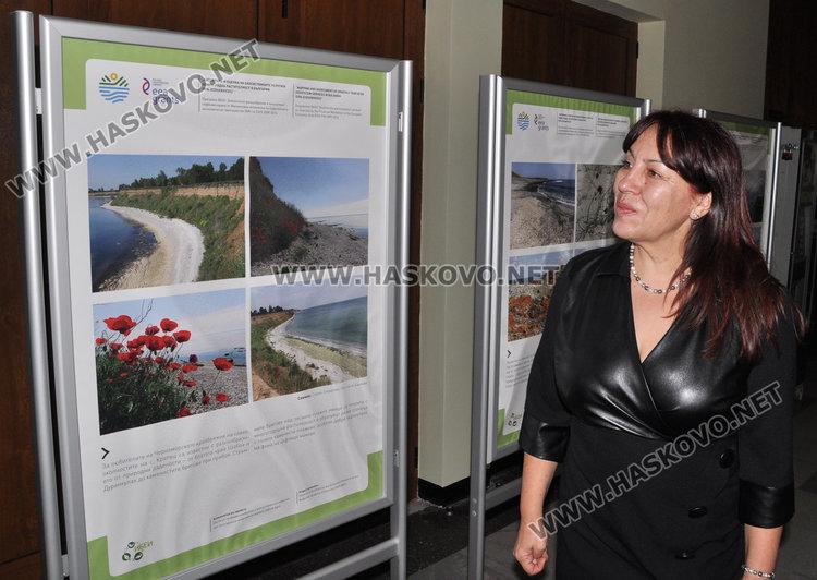 проф. Банчева е автор на част от снимките