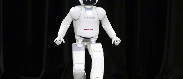 Бил Гейтс: ето защо трябва да обложим роботите с данъци