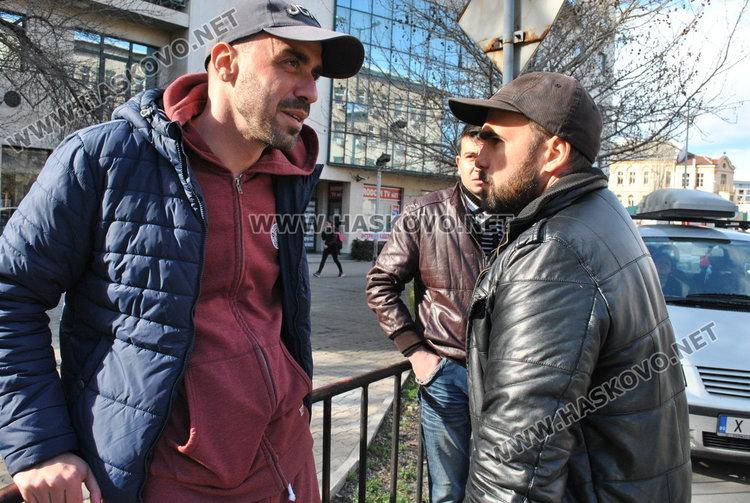 Шаран се заби в Поршето на Станислав Иванов до поликлиниката