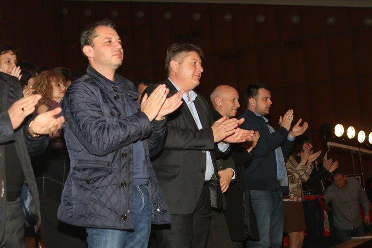 """Делян Добрев: """"Българе"""" ни карат да се чувстваме горди българи"""
