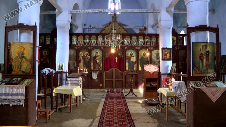 Крадци разбиха църква и задигнаха 7 икони