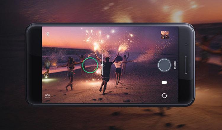 HTC официално представи смартфона One X10 с 4000 mAh батерия