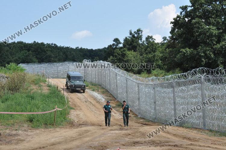 Президентът иска проверки на оградата по границата в Хасковско