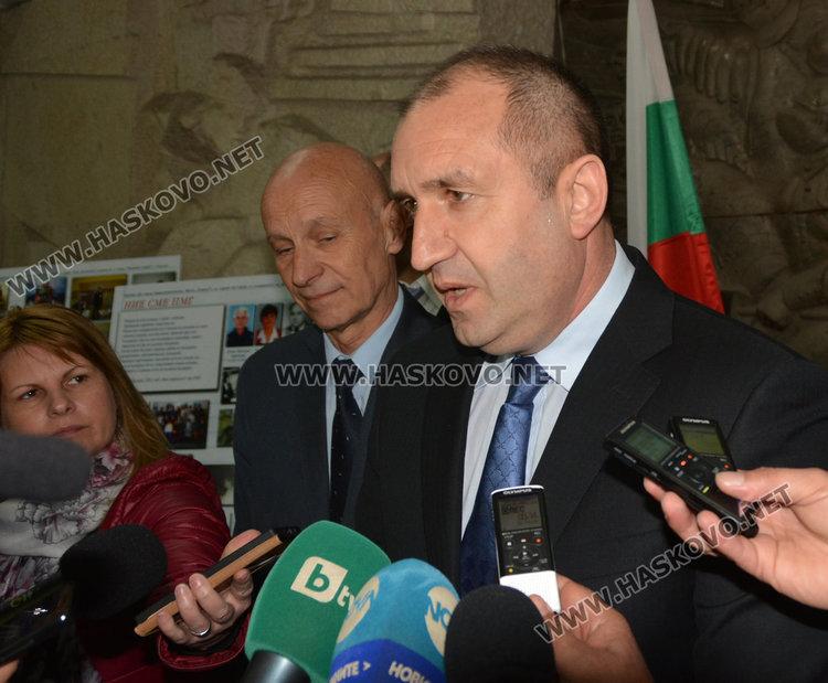 Президентът започва консултациите с партии за връчване на мандат в понеделник