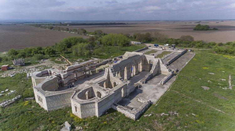 В огромния манастир – скрипторий, долепен до Голямата базилика в Плиска е била създадена българската азбука.