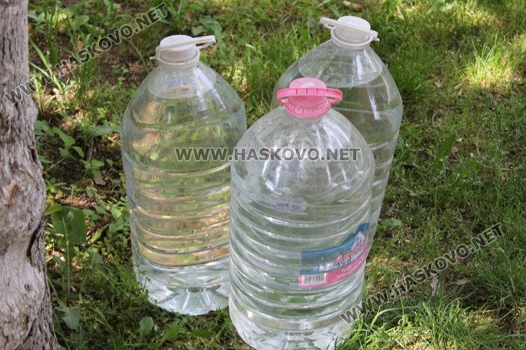 Бутилирана минерална вода ще бъде осигурена в част от селата
