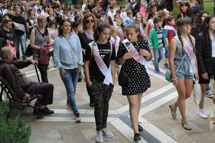 """Без парад на отличниците за 24 май заради ремонта на бул.""""България"""""""