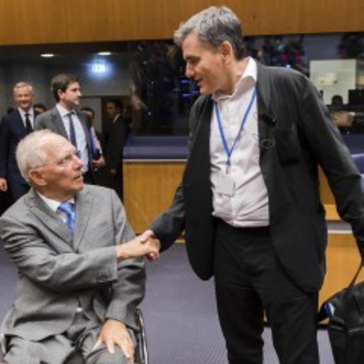 Гърция избегна фалита
