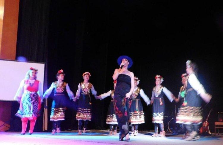 Артисти дадоха всичко от себе си на сцената в Девин за лечението на Атанаска