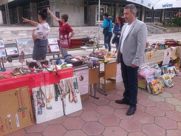 Над 6200 лева събра благотворителния базар, концерт и търг в Девин