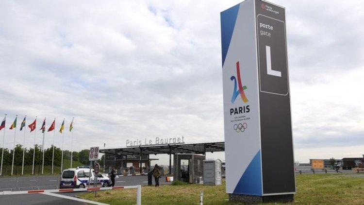 Макрон откри от въздуха Парижкото авиоизложение