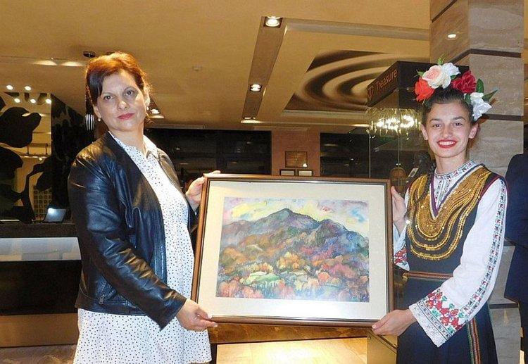 Смолянски художници дариха творби, за да подкрепят Атанаска в битката й със Саркома на Юинг