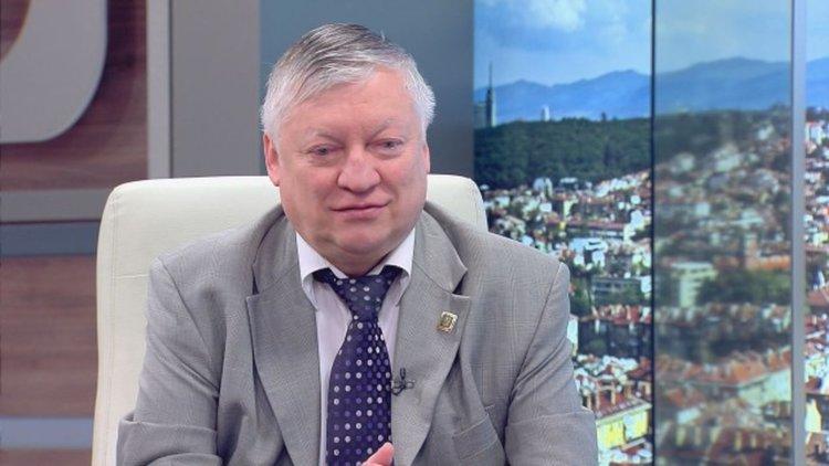 Анатолий Карпов: Кирилицата идва от Византия