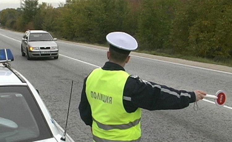 Още пет автомобила останаха без регистрационни табели, четиримата шофьори били хванати да карат пияни, а петият – дрогиран
