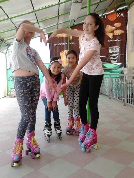 Фенове на Soy Luna организират състезание с кънки