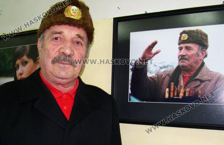 Билколечителят, пчелар,  музикант и певец Петър Шарков навърши 80 години