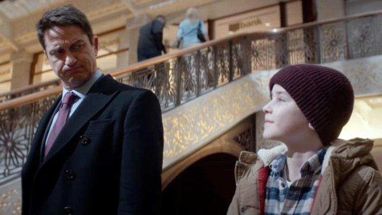 """Джерард Бътлър показва другата си страна в """"Семеен мъж"""" (трейлър)"""