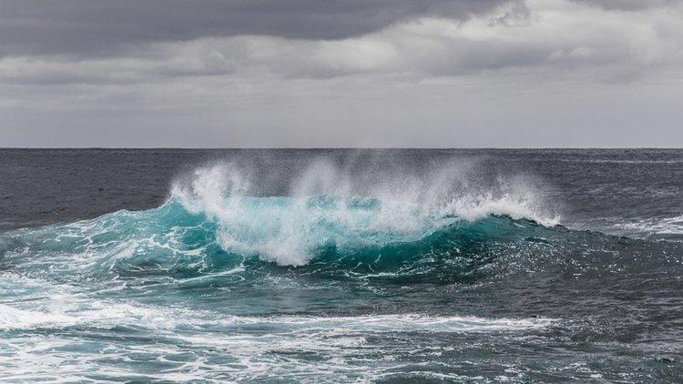 Опасностите при плуване и начините за оказване на помощ и самопомощ при удавяне