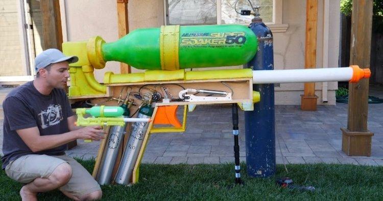 Най-мощният воден пистолет (видео)