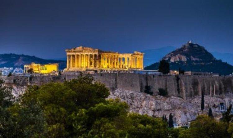 Турист беше пребит в Атина без причина