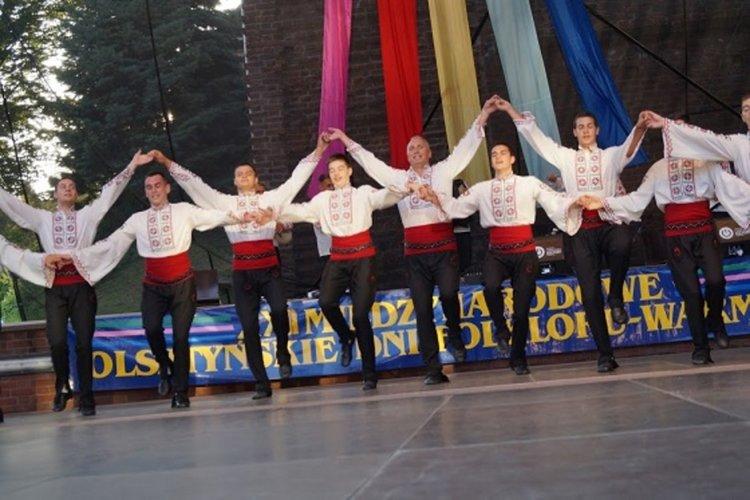 С плакет за отлично представяне се завърна танцовият ансамбъл от Олщин, Полша
