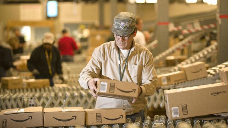 Amazon ще наеме 50 000 служители на 2 август