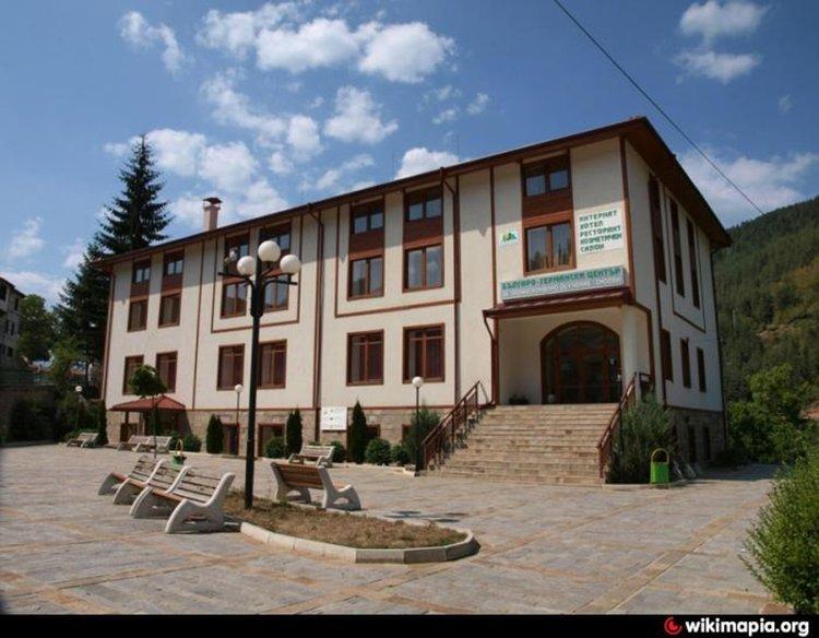 Бюрото по труда в Смолян обучава безплатно за атрактивни професии, плаща и стипенднии