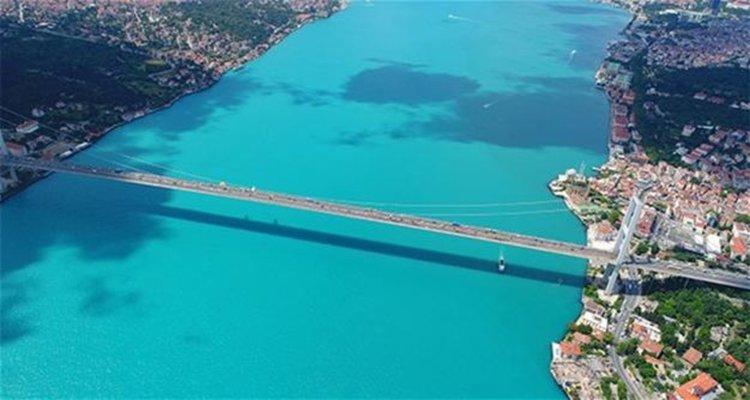 Турция затвори Босфора за плавателни съдове