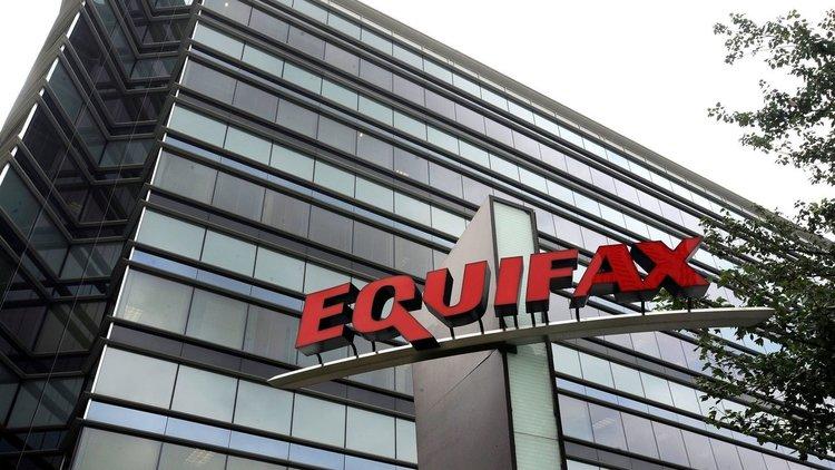 Хакери пробиха една от трите най-големи кредитни агенции в САЩ