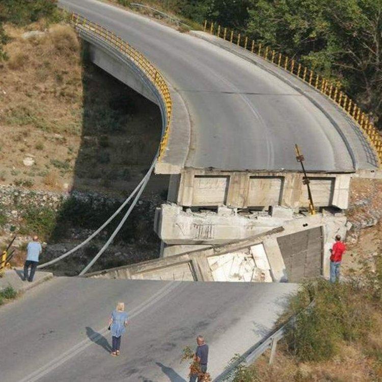 Мост се срина на магистралата Комотини-Ксанти в Гърция (снимки)