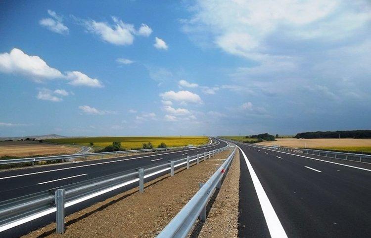 """До 17 часа движението при км 165 в посока София на АМ """"Тракия"""" се осъществява в една лента"""