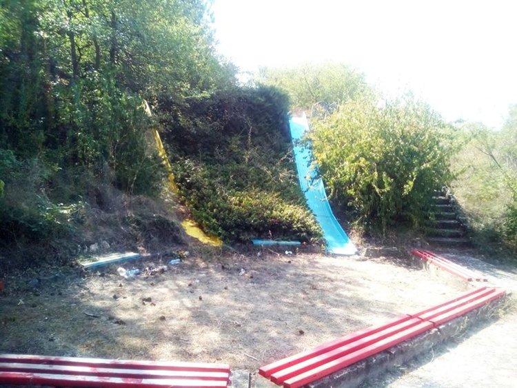 """Организират акция за почистване на детския кът в парк """"П.Пенев"""""""