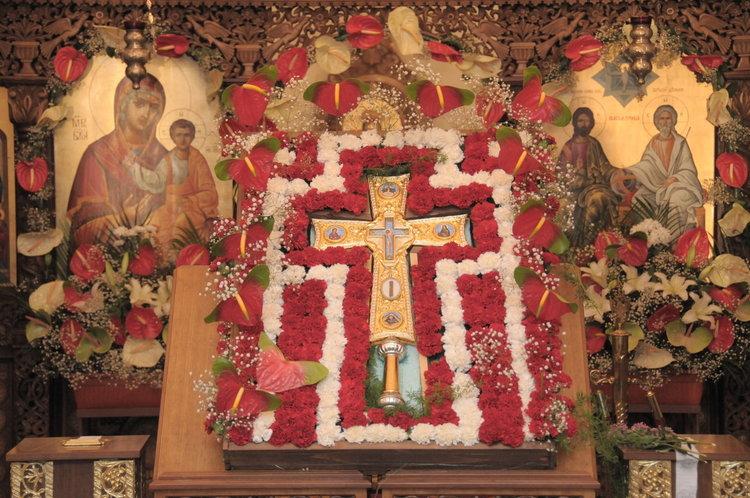 Кръстова гора събира хиляди поклоници тази нощ