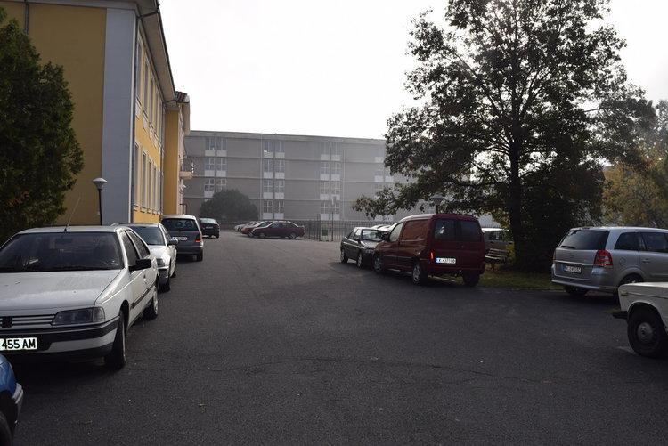 Служебен паркинг бе окупиран безнаказано, чакат се санкции