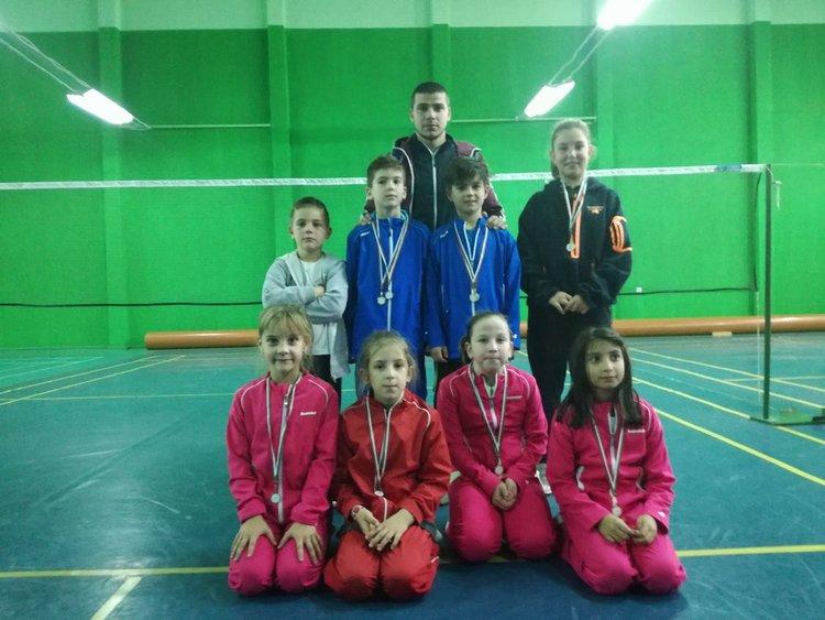 """7 от 8 златни медала завоюваха децата на """"Атлет"""""""