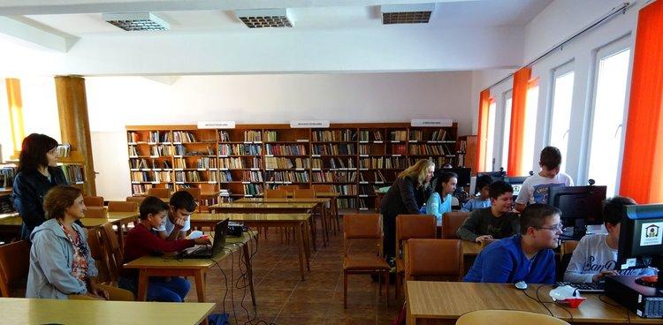 """ПМГ """"Иван Вазов"""" отбеляза Европейската седмица на програмирането, която се провежда от 7 до 22 октомври"""