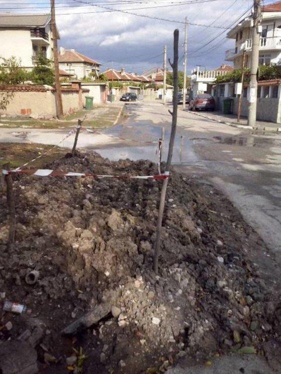 """Живеещи на """"Калоян"""": ВиК да си оправят щетите след ремонтите"""