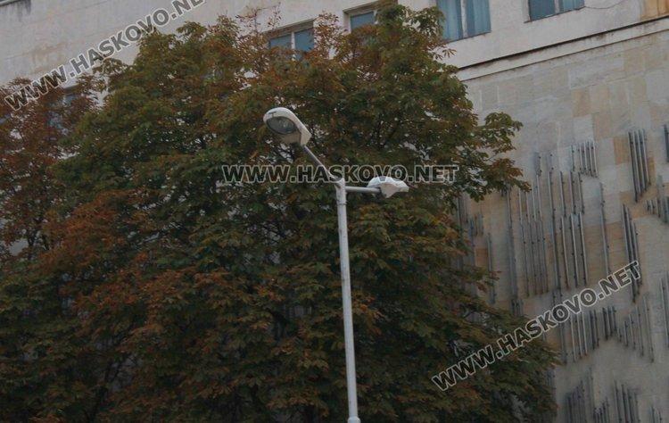 Направен е одит, според който в града има 2 759 натриеви лампи