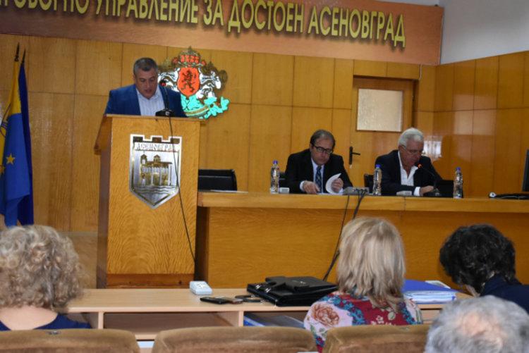 Публичното обсъждане на отчета на бюджет`2016 очаквано мина пред празна зала