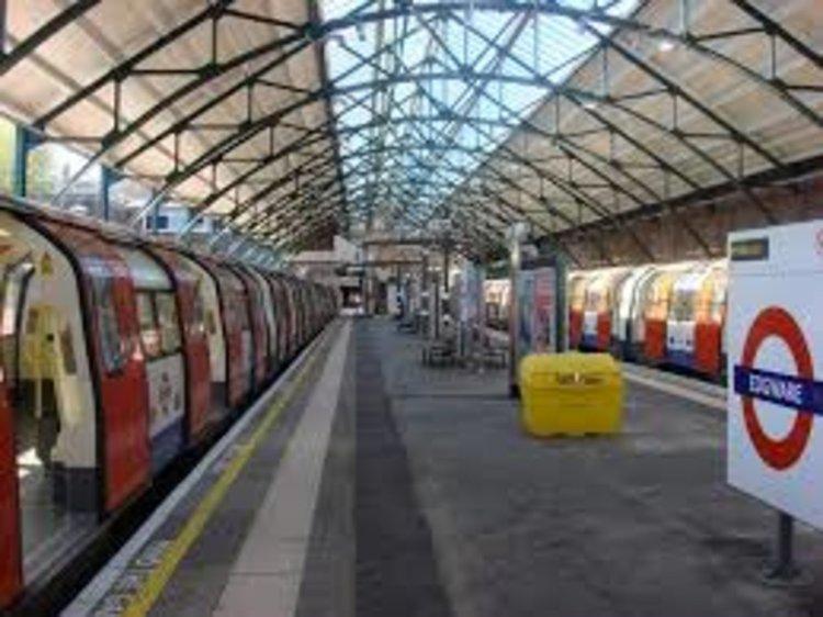 Нападение в Лондонското метро с нож. Един загинал