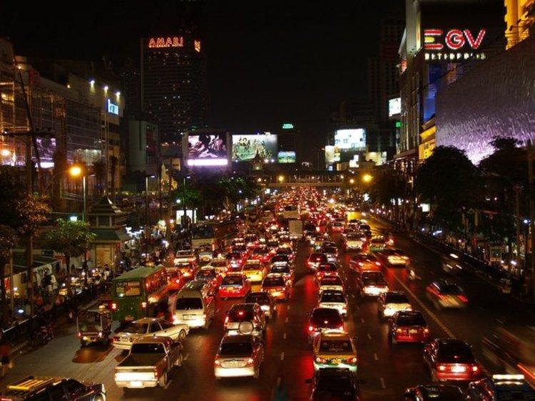 Сингапур забрани нови коли по пътищата си