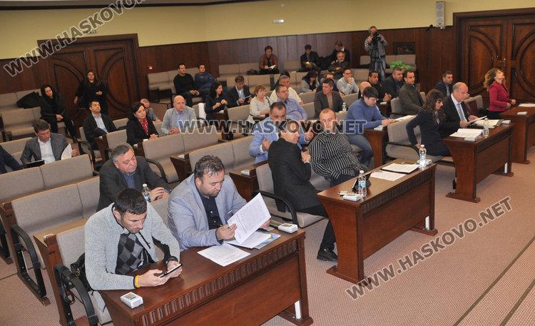 Кметът скочи на ГЕРБ в ОбС, обяви докладната им за незаконна