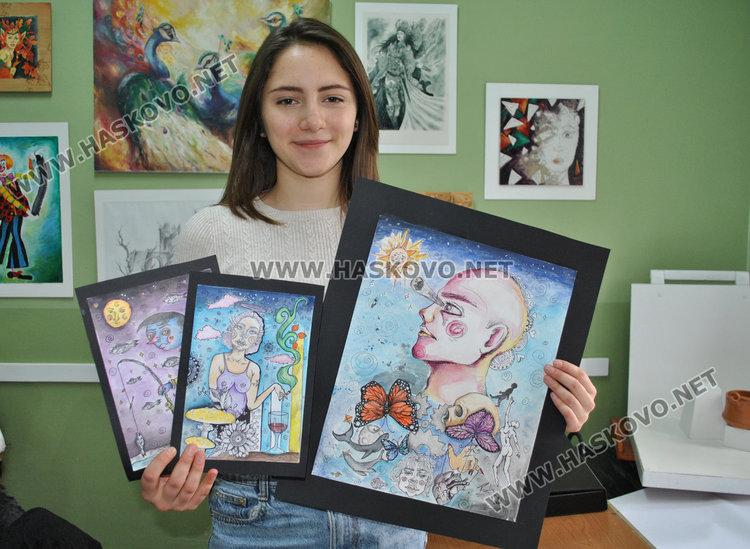 """Бъдещ татуист и аерограф със стипендии по рисуване от """"Комунитас"""""""