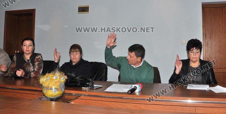 Пари за култура само с формуляр за участие, сдружението на Шалапатов отказа 5 бона