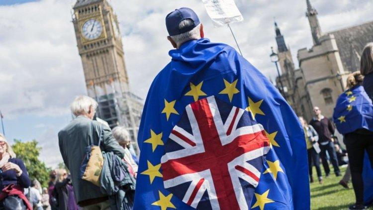 Великобритания напуска ЕС в 23 часа по Гринуич на 29 март 2019 г.