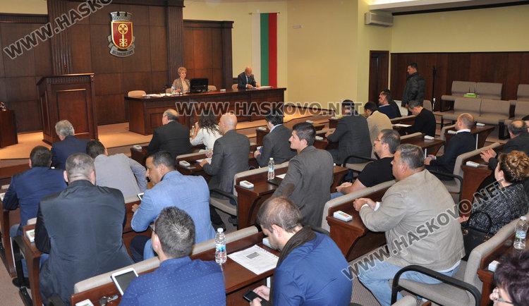 Жега в ОбС Хасково: Потвърдиха парите за спорт и култура. Кметът: Ще видим