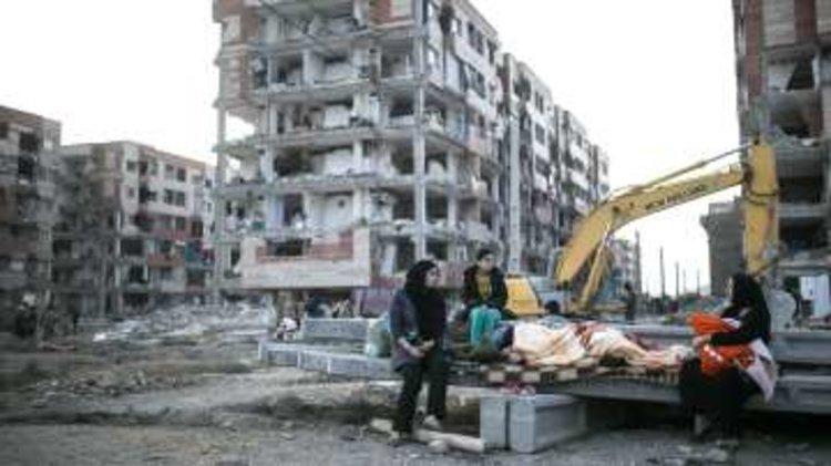 Над 450 загинали и много ранени при разрушителното земетересение в Иран