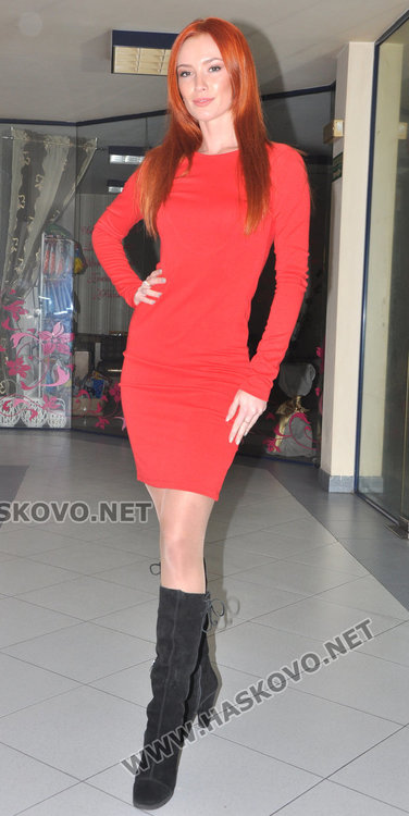 Габриела Вълкова тръгва към короната на Мис България
