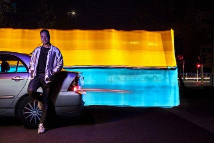 Нашенец пусна автомобила си за продажба по уникален начин с песен