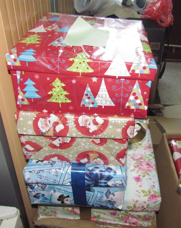 Димитровградчани откликнаха на акцията за коледни кутии за бедни деца
